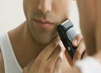 How to Use an Electric Razor Without Irritation (Step By Step Guide)